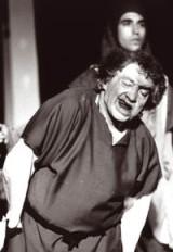 Daniel Dumas dans le role de Casimodo - Notre Dame de Paris 1997